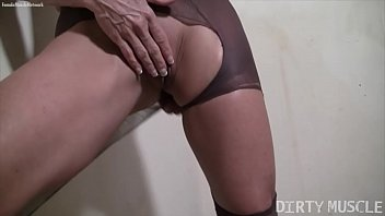 eyaculando chapinas nias Bi thresome with tranny