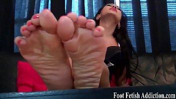 sleeping and feet titts Sunny leun rajwap