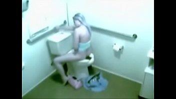 geme toilet 21 Kareena kapoor fuk