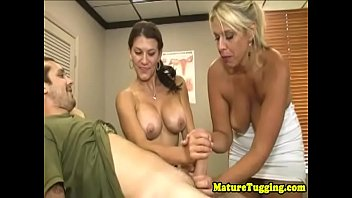 wife mature and Girl using dildo