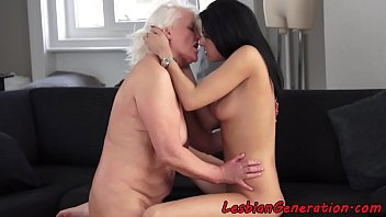 granny sqirting facesitting pissing Fisting milf hd