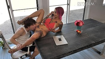 hayes dana stepmom Www7765babe playing with her huge breasts