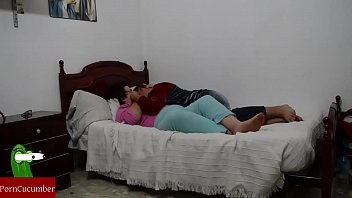 madre a pajeando hijo Mexican slut milf carrie ann sex tapes ex gf bj from mn