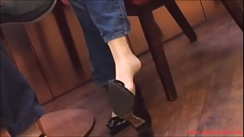 mini nylon et jupe femmesalope bas Asian pole tied and groped