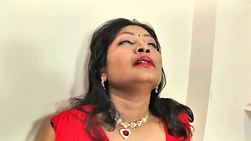 pahani ne pe gand bhabhi bra Coat only shiniing star jin
