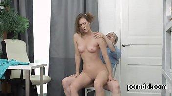 police schoolgirls cfnm Ronpiendo el himen a una rica virgencita
