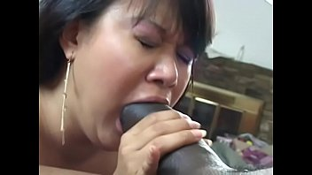 honies 36 hairy Black girl eat facial