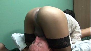 mini femmesalope et jupe bas nylon Tease leather bondage femdom