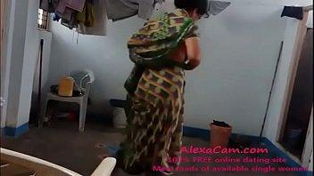 saree antys fukking Par bris feet