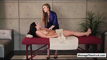 married woman massage white Trio con mi esposo y otra mujer
