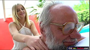 gives giovani aria lap hot dance Homemade blonde whore with young guy