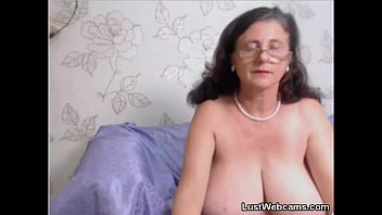 in bed pussy granny the Jap daughter throes panties at dad