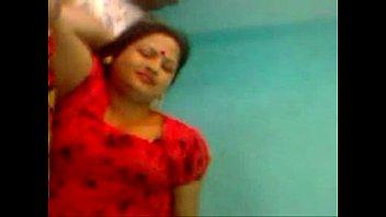 indian aunty enjoing slutty Punjabi bathing catch sex