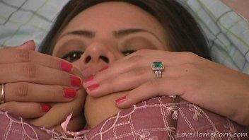 imut intim kecil hubungan berano Juliareaves olivia willenlos scene 4 video 1 teens orgasm nude cute hard