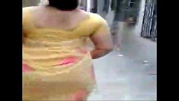saree sleeveless flirting indian in wifs Jav rom sister