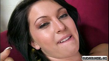 cock feet a satisfies hot her girl with Pervert busty massage